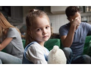 Gyermeknevelési konfliktusok